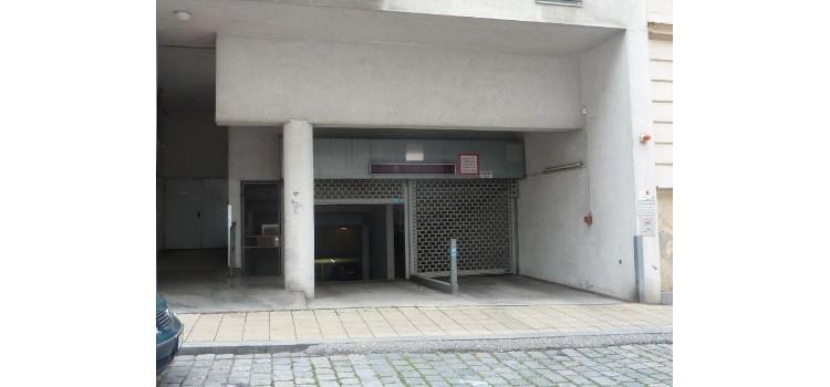 Garagen Ein-Ausfahrt